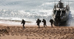 Учения на полигоне Опук в Крыму: морпехи высадились на необорудованный берег