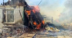 Пожар в крымском городке Щелкино: сгорел двухэтажный дом