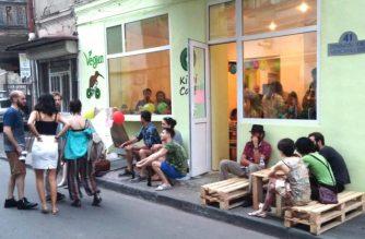 Facebook / Kiwi Cafe
