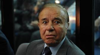 Menem declaró en su despacho del Senado.