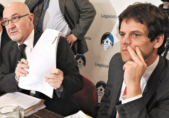 Farrell renunció al cargo tras el derrumbe en Beara.
