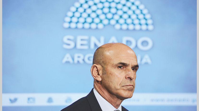 Arribas fue denunciado por Carrió.