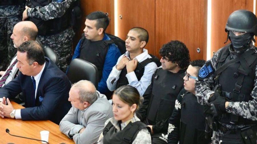 Los miembros de la banda antes de recibir la condena.