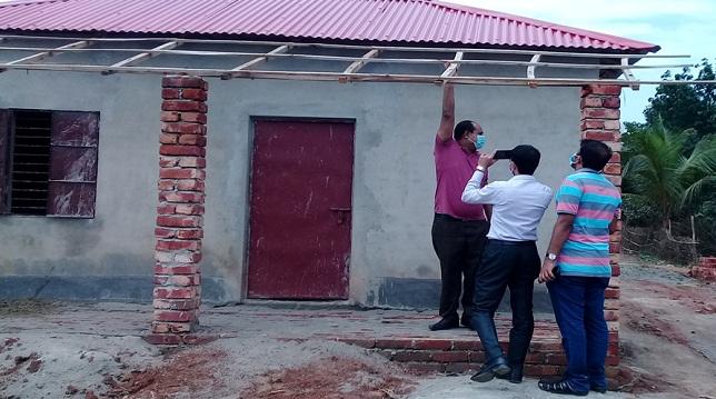 নবাবগঞ্জে চুরি করে গাছ কাটতে গিয়ে ১ জনের মৃত্যু, আটক-৫