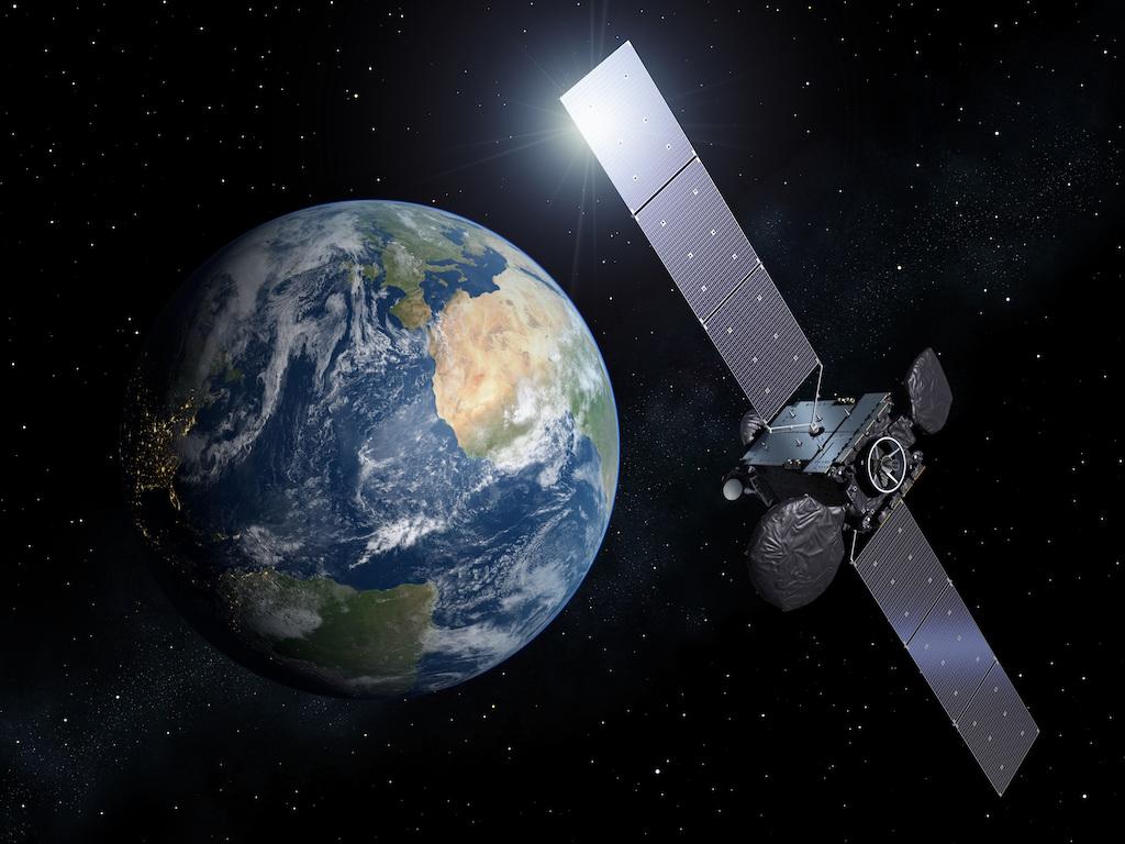 Dale unos cuantos millones a unos genios: Facebook y Amazon quieren lanzar más de 6 mil satélites a órbita