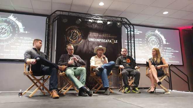 Panel sobre porque Bitcoin es único en Unconfiscatable 2020