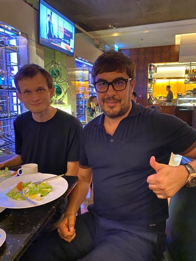 Blockchain / Coinsbit: Nikolai Udianskyi junto a Vitalik Buterin