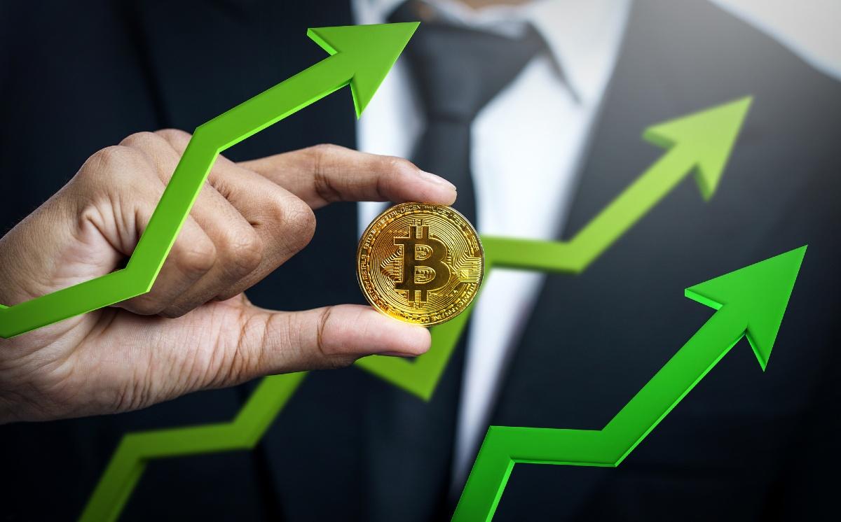 Bitcoin coquetea con el máximo histórico, ¿logrará conquistarlo?