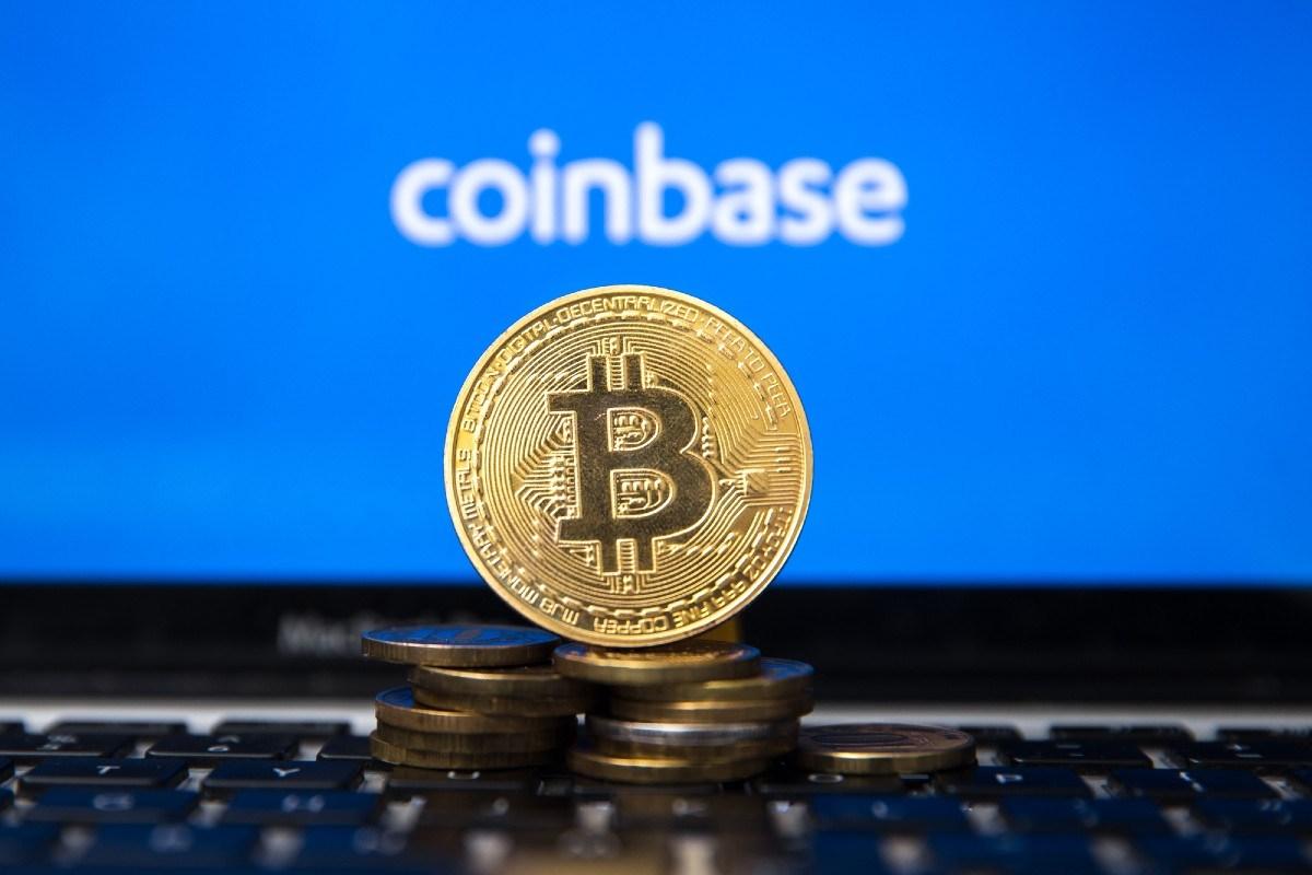 Ballenas retiran mil millones de dólares en cripto de Coinbase