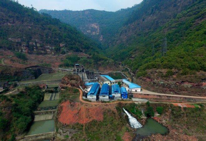 Vista aérea de una granja digital en el condado autónomo de Yi en Sichuan. En esta provincia, queda prohibida la minería de Bitcoin, según orden de las autoridades.