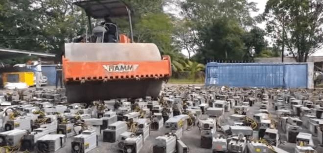 Entre las noticias más destacadas sobre minería de Bitcoin en este resumen especial, se destaca la destrucción de equipos mineros por parte de las autoridades de Malasia.