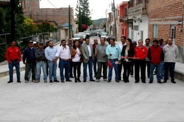 Inauguración de tramo de calle Enrique Estrada