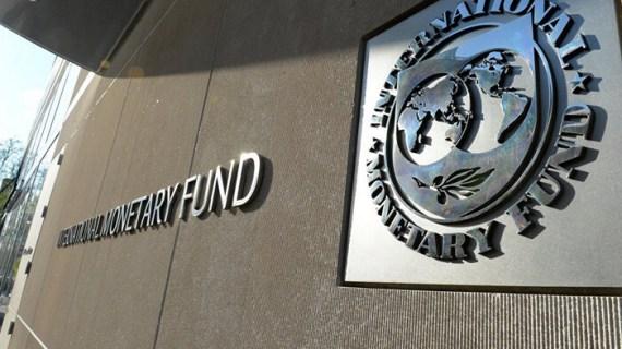 Το ΔΝΤ εγκρίνει F-16, ζητά δράσεις για χρέος και πλειστηριασμούς