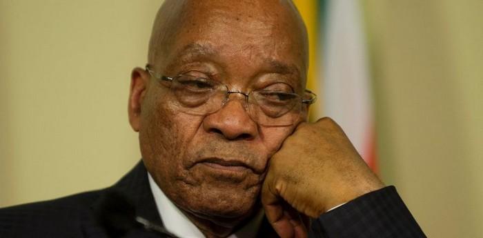 Νότια Αφρική: Διασώζεται ο Ζούμα, παρά την κατακραυγή των αγορών