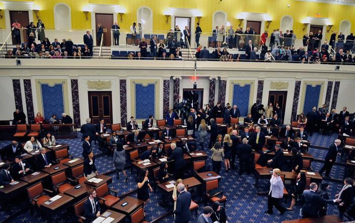 ΗΠΑ: Σάρωσε στη Γερουσία το νομοσχέδιο με τις νέες κυρώσεις στη Ρωσία
