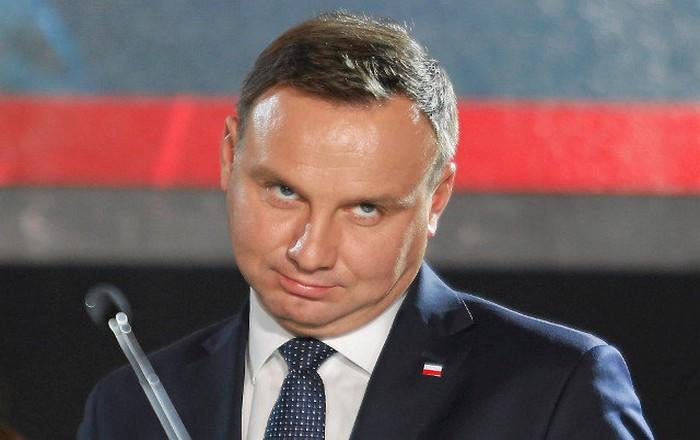 Πολωνία: Προεδρικό veto στο νόμο για τη Δικαιοσύνη, αποφεύχθηκε σύγκρουση με ΕΕ