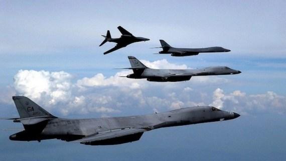 Αμερικανικά στρατηγικά βομβαρδιστικά στη Νότια Σινική Θάλασσα