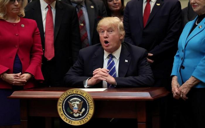 Ο Τραμπ καταδικάζει τον ρατσισμό και αποκηρύσσει ΚΚΚ και φασίστες