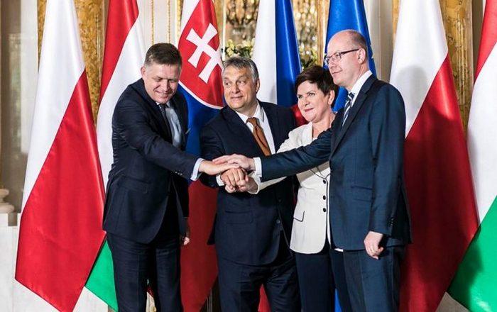 Οι V4 απέρριψαν τη μίνι Σύνοδο Κορυφής για το προσφυγική, επιμένουν σε κέντρα κράτησης εκτός ΕΕ