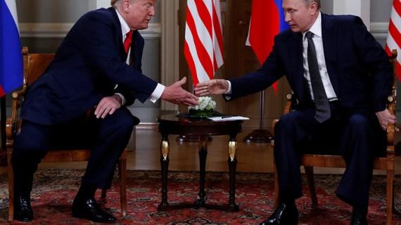 Ο Πούτιν θύμα κυβερνοεπιθέσεων, ο Τραμπ βρίζει το FBI…