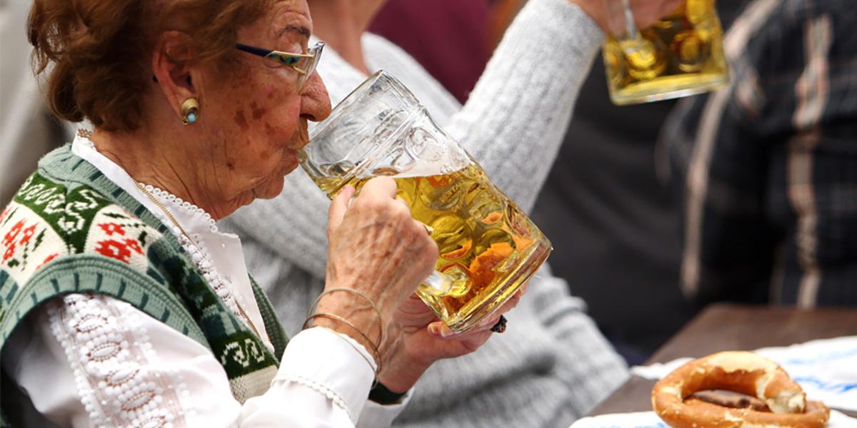 бабушка,пиво,долгожитель