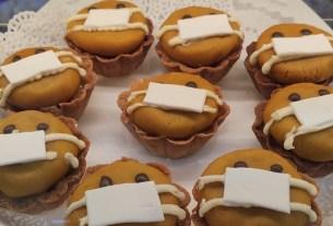 «Добрые булки», Артём Силонов, пирожные в масках,