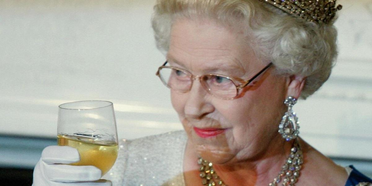 Великобритания, королевская семья, алкогольные привычки,