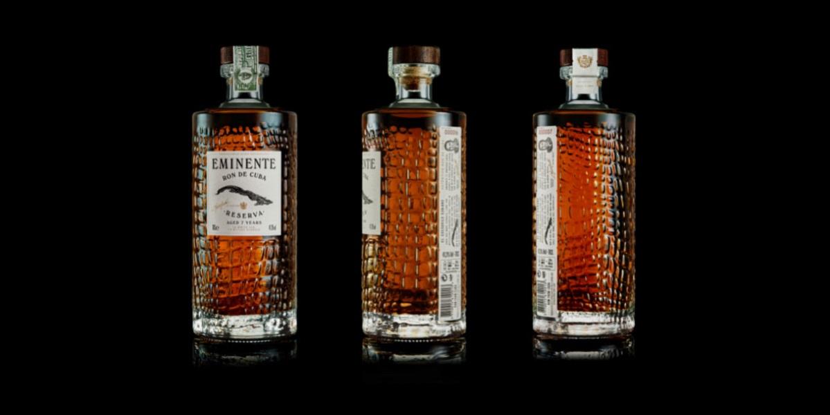 ром Eminente Reserva, крокодиловая бутылка, кожа крокодила