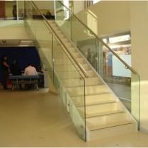 Barandas escalera en acero y cristal oficina