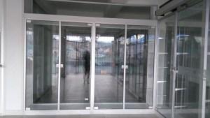 Ventanas correderas, basculantes, escualizables, punto fijos, termoacústicos, puertas correderas, apertura 180°, plegables, pivotante, enmarcadas, zócalo, herrajes en acero inoxidable, invisibles, automatizadas.