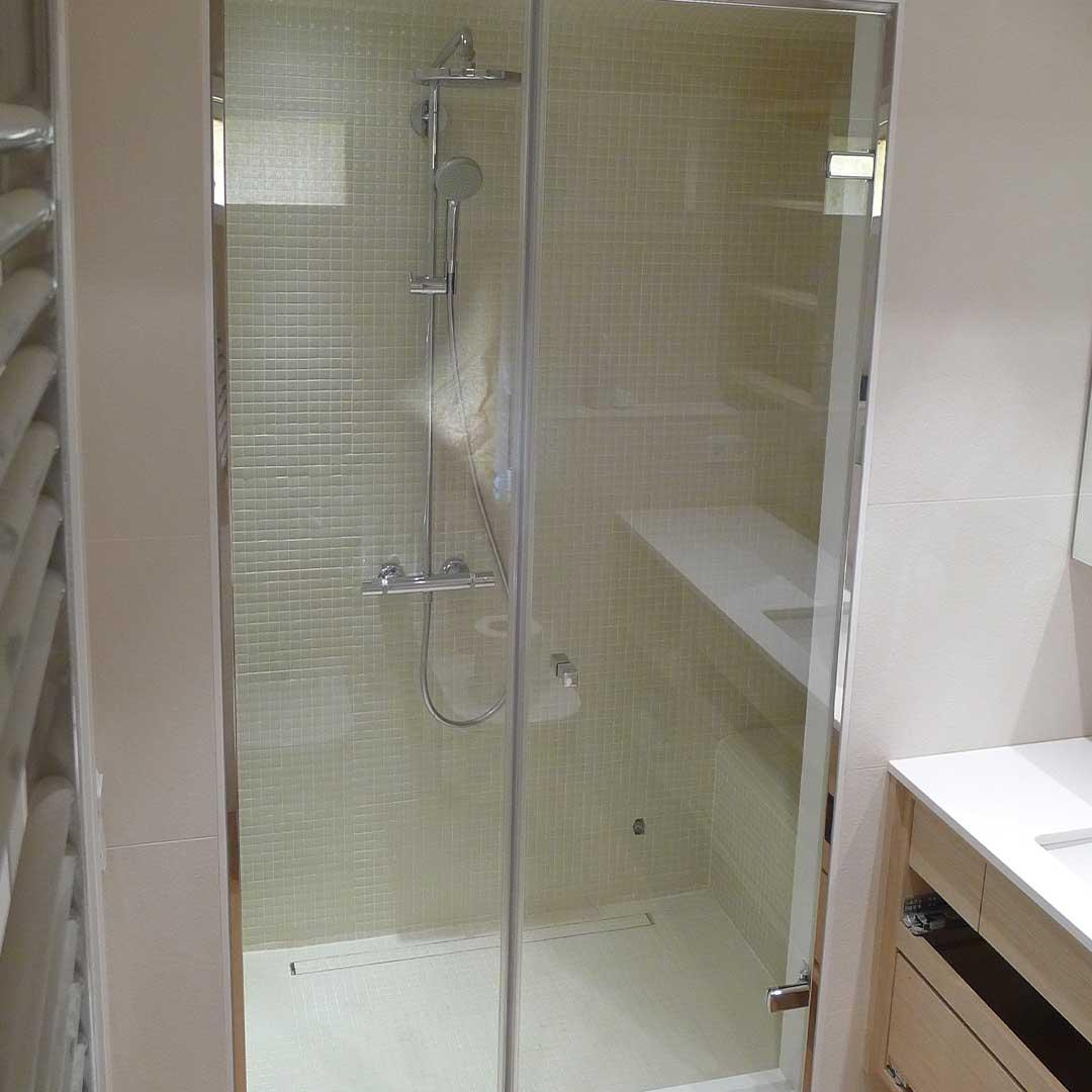 Cierre total de cristal para ducha