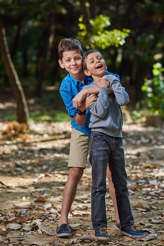 Child portrait (brothers hugging)