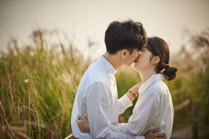 Save The Date couple portrait, kissing