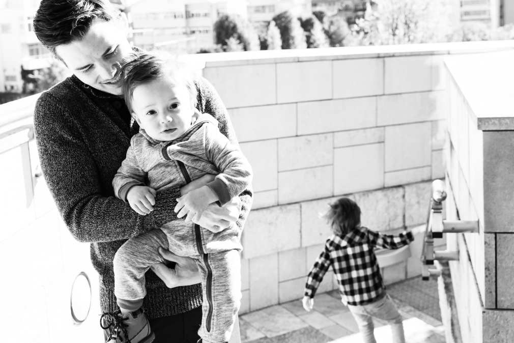 Portrait of father and his son in Roppongi Hills during a family shoot by the Tokyo family photographer Cristian Bucur
