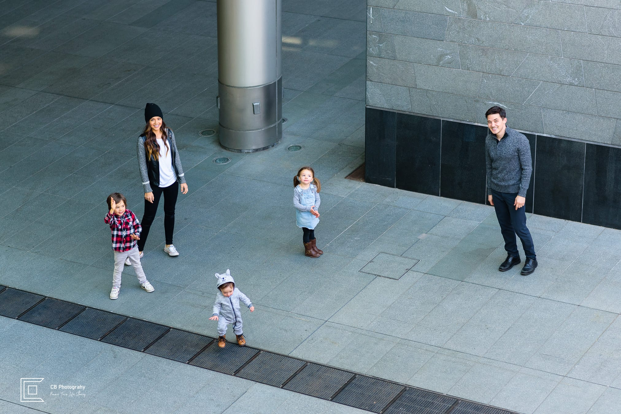 Family portrait in Roppongi Hills, image taken by the family photographer in Tokyo, Cristian Bucur