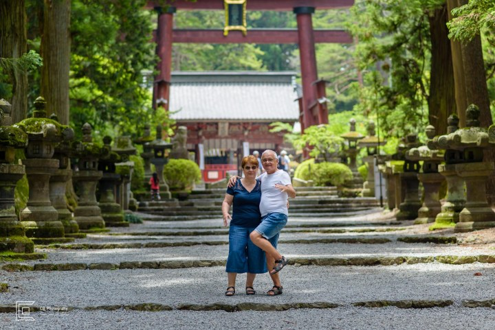 Tokyo family portrait photographer; Senior Session at Kitaguchi-hongu Fuji Sengen Shrine during vacation in Japan.
