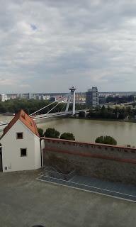 O plimbare pe faleza Dunării în Bratislava