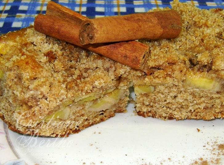 receita de bolo preparado com banana e farinha integral