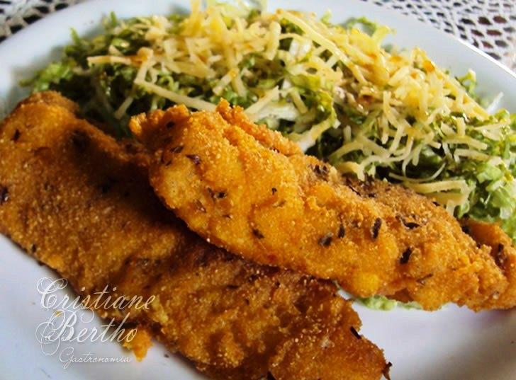 Receita de filé de peixe merluza, empanado crocante