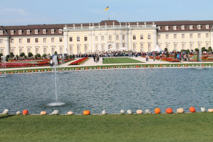 Kuerbisfest. Festival de abóboras nos jardins do castelo de Ludwigsburg. Viagens pelo Mundo.