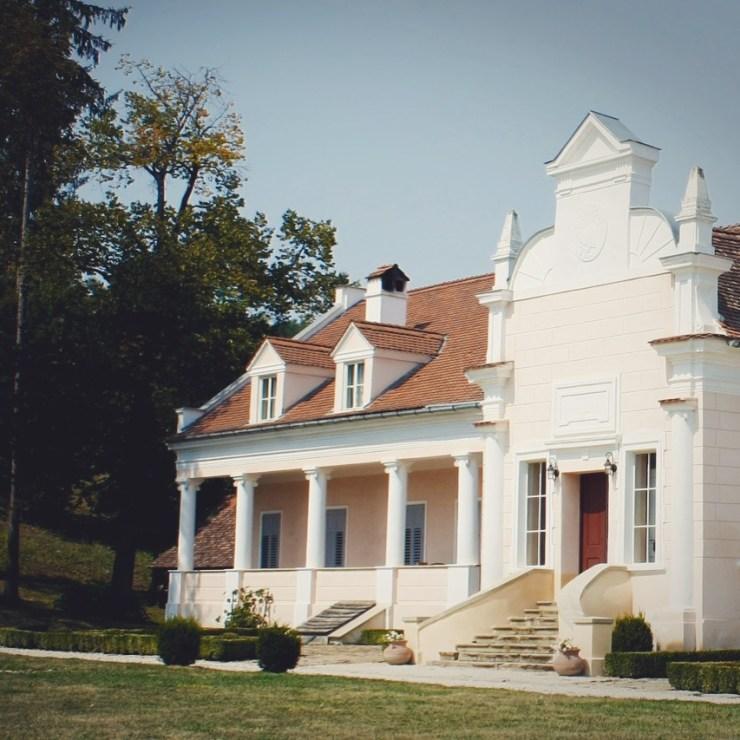 castelele româniei -Conacul Apafi - Malancrav