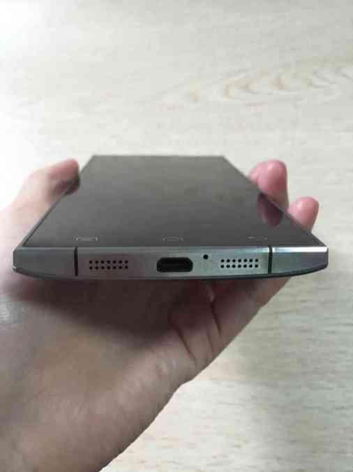 Doogee-F5-USB