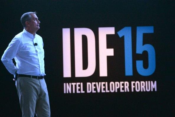 Brian Krzanich pe scena IDF 2015