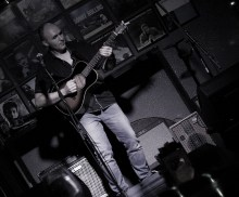 live-in-singapore-2016-at-barbershop-by-timbre-sg-5