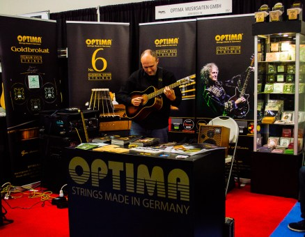 namm2017-day1-performance-at-optima-strings-3