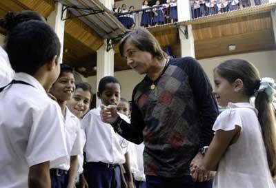 Ricardo Montaner  se une al presidente Correa  en pro de la niñez de Ecuador