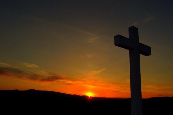 España: Obligan a profesora de religión a retirar símbolos religiosos