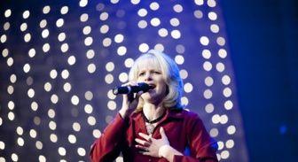 Cantante y oradora cristiana dedicada a evangelizar strippers