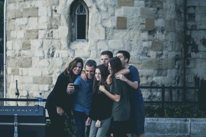la familia, alegría de la sociedad