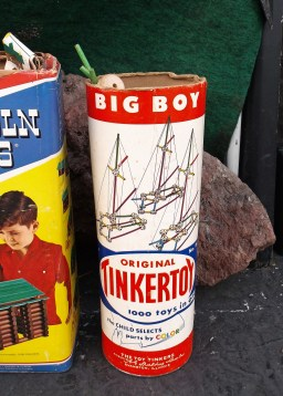 I played with Tinkertoys as a kid!